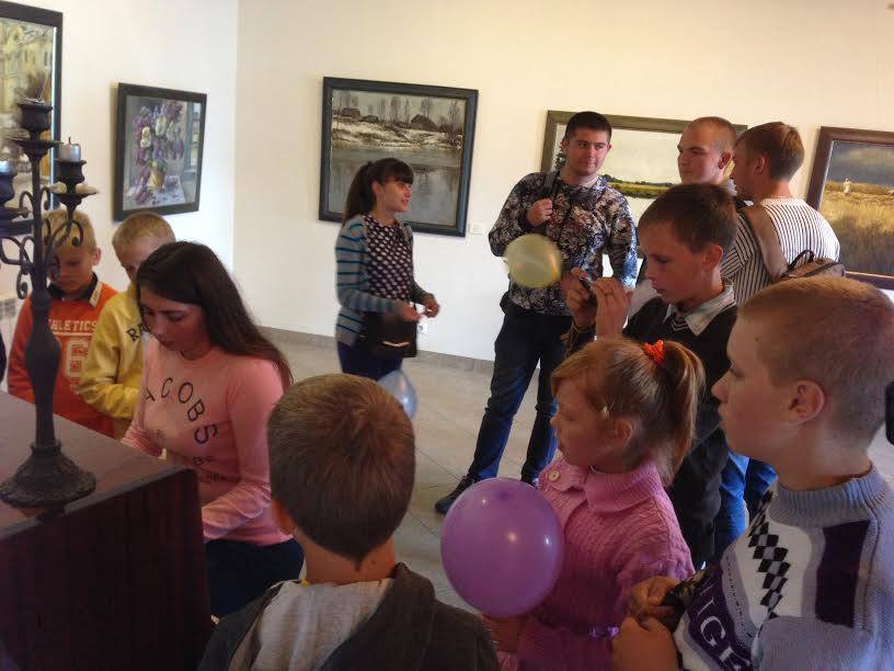 Свята мыльных пузыроў у карціннай галерэі Кастуся Качана